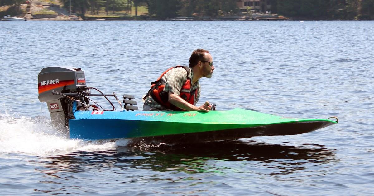 White boat: Learn Duckworks free boat plans
