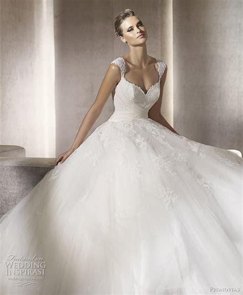 Pronovias Wedding Dresses 2012 ? Glamour, Dreams & Ball