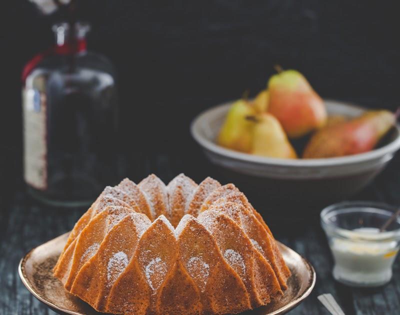Saffron and Pear Crown Cake