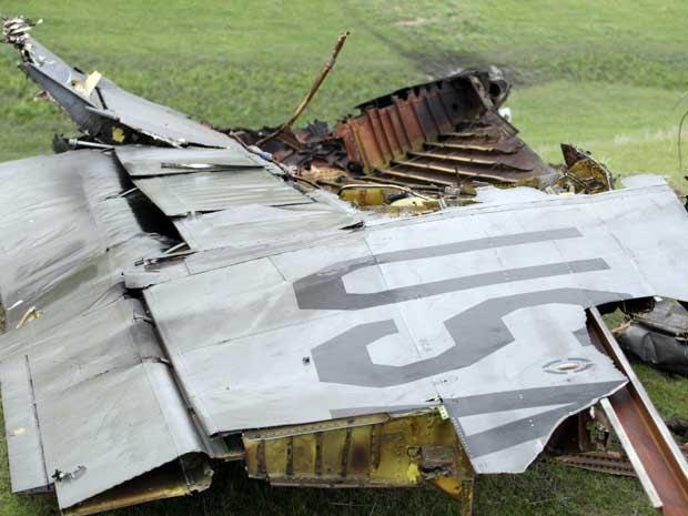 Avião-tanque da base militar americana no Quirguistão caiu depois de decolar nesta sexta-feira (3) (Foto: AFP PHOTO/ SABYR AILCHIYEV )