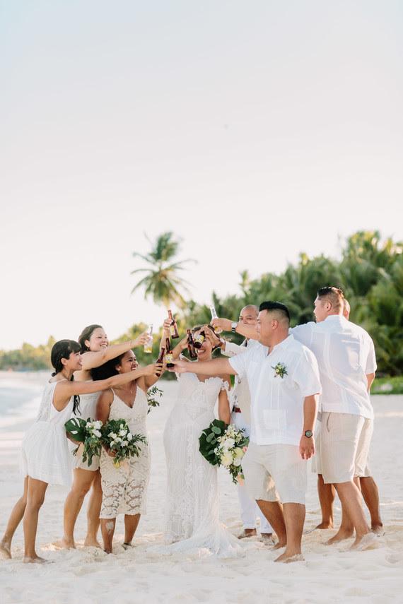 Dieses Tropische Hochzeit in Mexiko war entspannt, lustig und super cool, weil das paar wählte das Ziel, wo Sie nie zuvor gewesen sind
