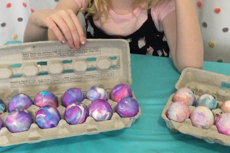 How to Dye Easter Eggs with Cool Whip