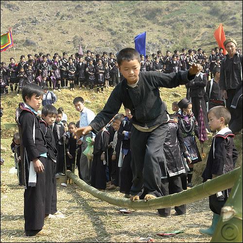 Balancing act Hmong style por NaPix -- Now in Sapa VN
