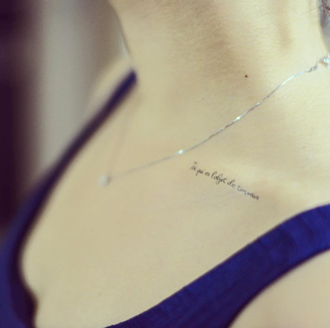 33 Fabulous Collar Bone Tattoos That Flatter Your Shape