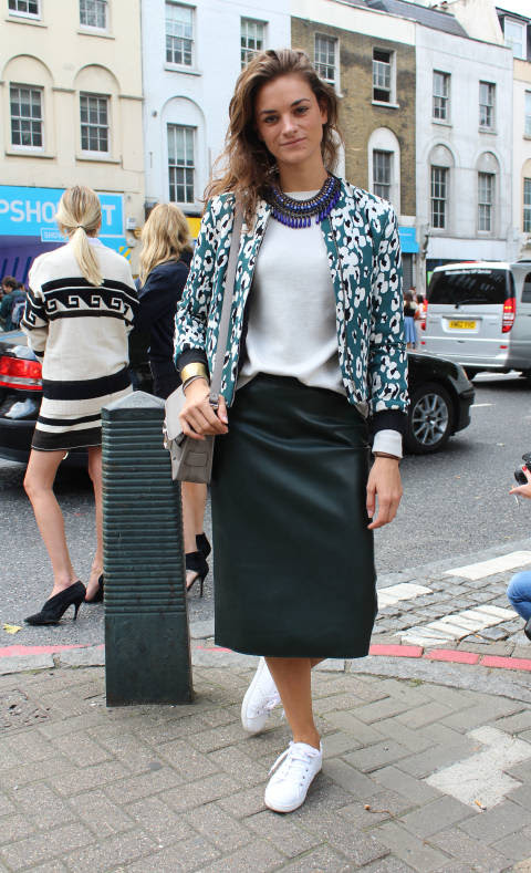 Liesbeth wears: Jacket, skirt & shoes: Zara, Sweater: J Crew, Bag: Proenza Schouler, Necklace: Zara