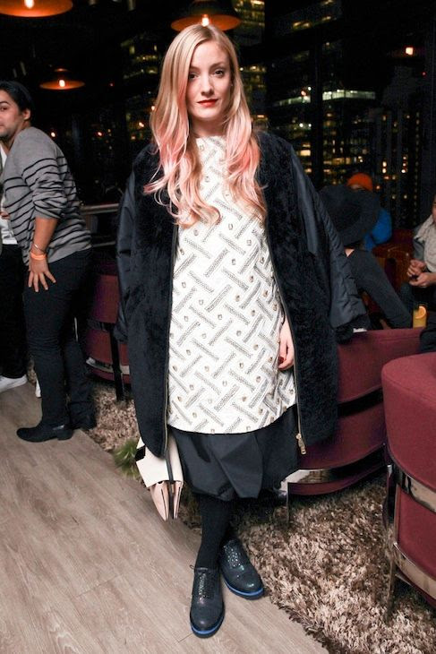 6 Le Fashion Blog 7 Inspiring Pink Ombre Hair Looks Kate Foley Long Wavy Hair Coat Oxfords photo 6-Le-Fashion-Blog-7-Inspiring-Pink-Ombre-Hair-Looks-Kate-Foley-Long-Wavy-Hair-Coat-Oxfords.jpg