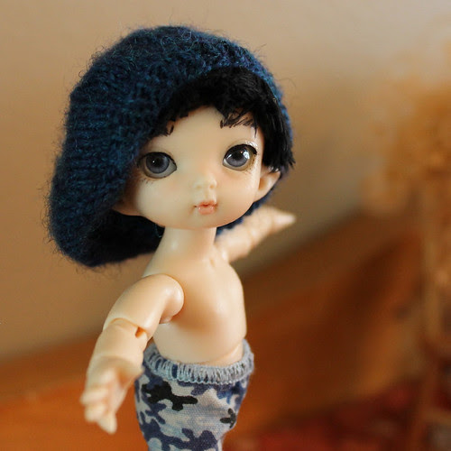 Elroy rocks the slouchy hat