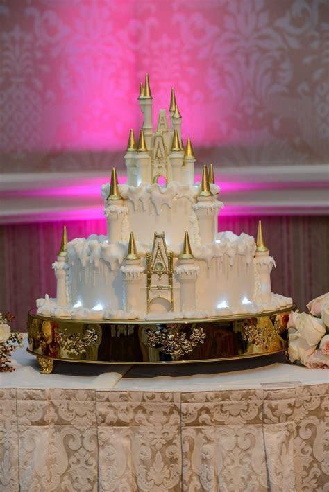 25  best ideas about Cinderella Wedding Cakes on Pinterest