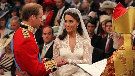 Kate and William exchange wedding vows   BBC News