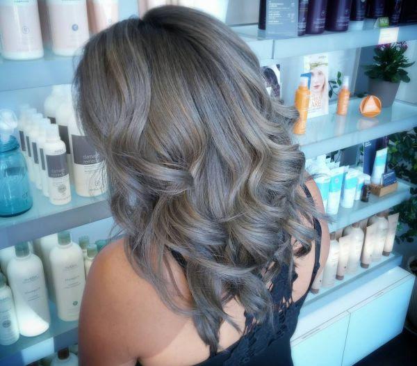 Grau Strähnen Mit Verschiedene Haarfarben