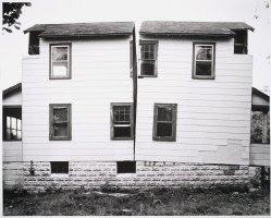 Gordon Matta Clark, Splitting, 1974; Collection SFMOMA; © Estate of Gordon Matta-Clark / Artists Rights Society (ARS), New York