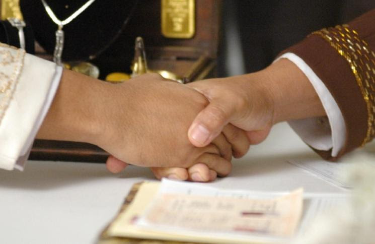 http://www.konsultasisyariah.com/wp-content/uploads/2015/08/nikah-dipaksa.jpg