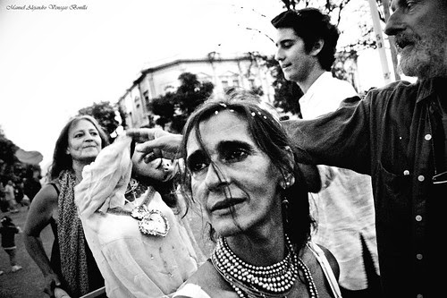 Virgen descabezada, Santiago de Chile. by Alejandro Bonilla