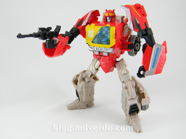 Transformers Blaster Voyager - Generation Fall of Cybertron - modo robot