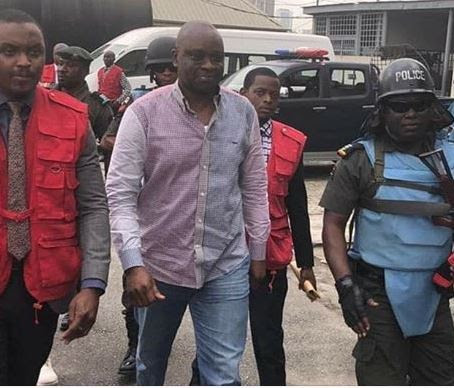 Fayose Takes Stomach Infrastructure To EFCC, Feeds Over 150 People, Get Lawyers For Detainees