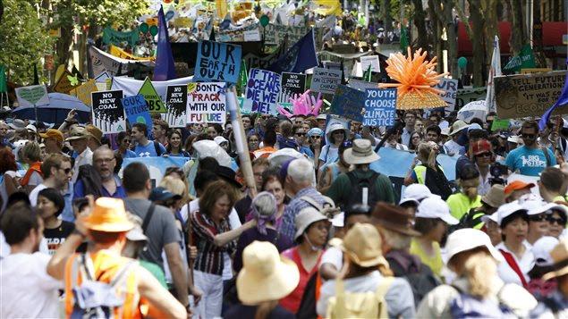Une manifestation pour le climat à Sydney, en Australie, dimanche.