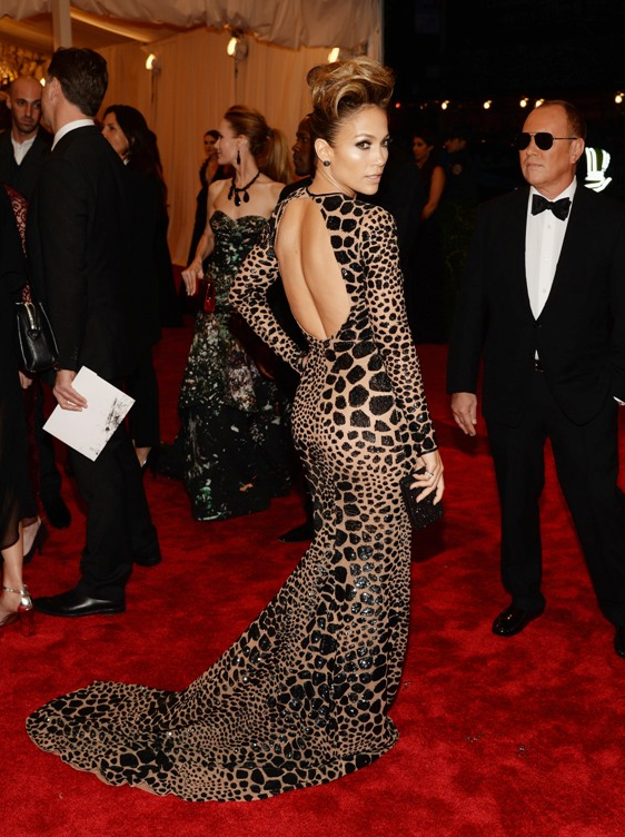 Jennifer Lopez : 2013 Met Costume Institute Gala photo hautetoday-jennifer-lopez-met-gala-2013.png
