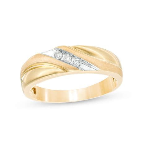 Men's 1/8 CT. T.W. Diamond Three Stone Wedding Band in 10K