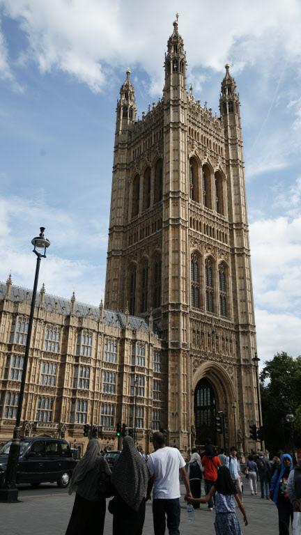 웨스트민스터 사원은 영국의 상징이다. 국왕의 취임식부터 나라를 빛낸 영웅들의 장례식이 열린다. / 사진=이서현