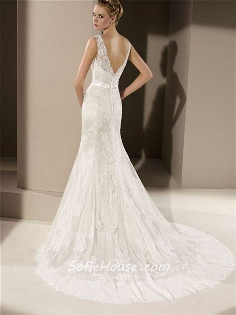 Fitted Mermaid V Neck Low Back Ivory Lace Wedding Dress