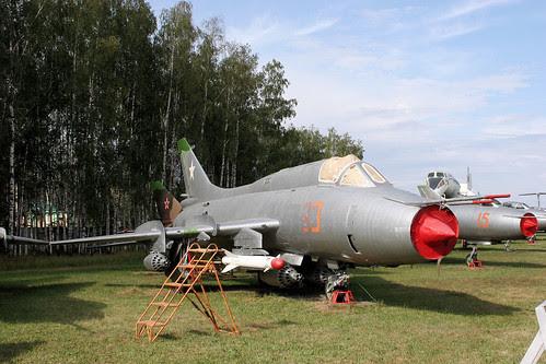 Sukhoi Su-17M3 93 red