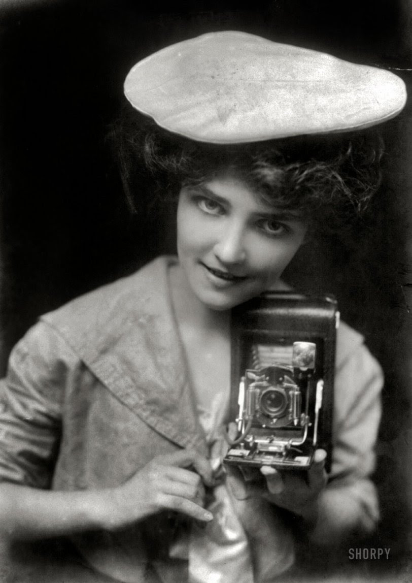 The Kodak Girl: 1909