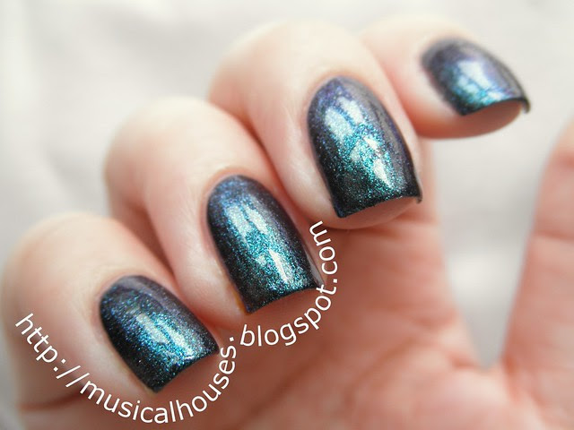 Cirque Epoch nail polish 3