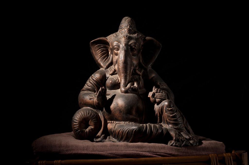 Black background for Ganesha