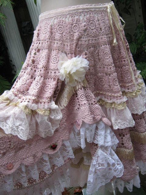 Vintage Kitty.. gorgeous crochet.. full circle skirt.. upcycled.. lacey gorgeousness.. lined...  SM-MED-LGE