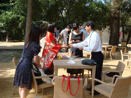 Prof. Ando, Maiko, Kudo Amane, Luchino Fujisaki having sitting for drinks