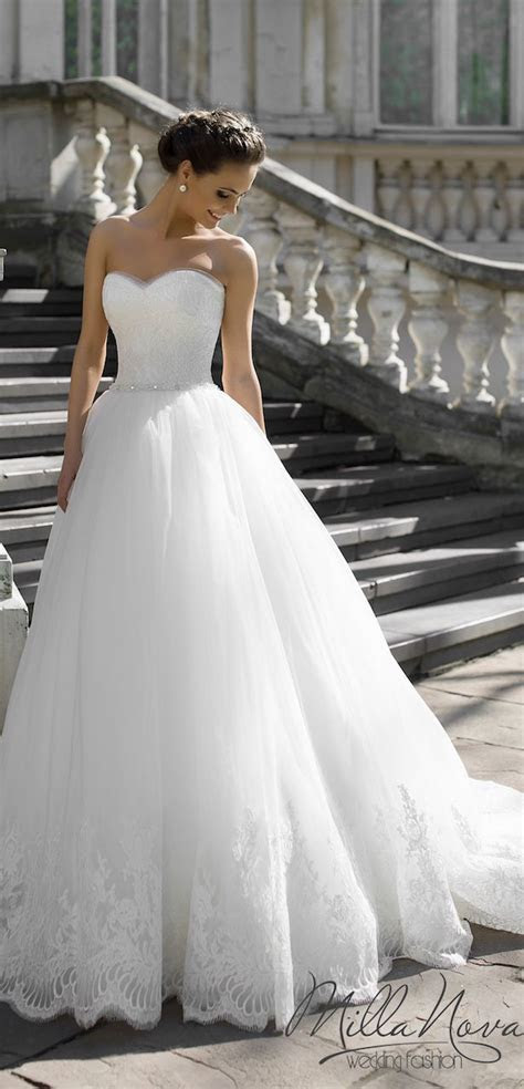 Best 20  Stunning wedding dresses ideas on Pinterest