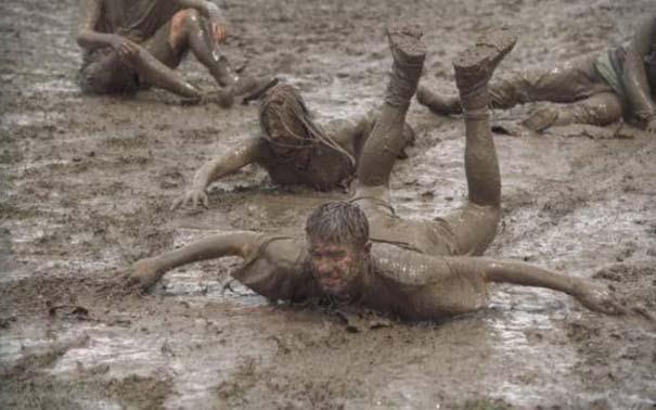 Glastonbury: Φεστιβάλ στις λάσπες (4)