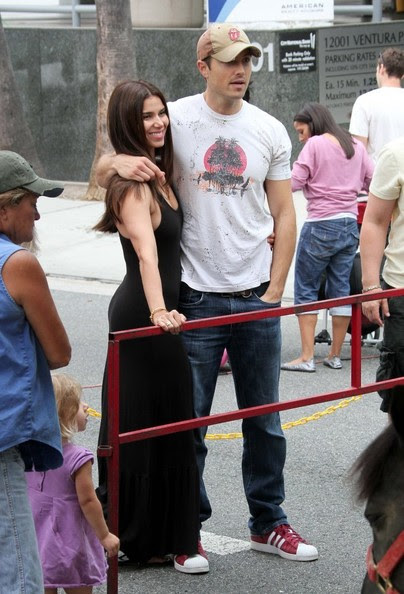 Roselyn Sanchez - Roselyn Sanchez and Her Family at the Farmers Market