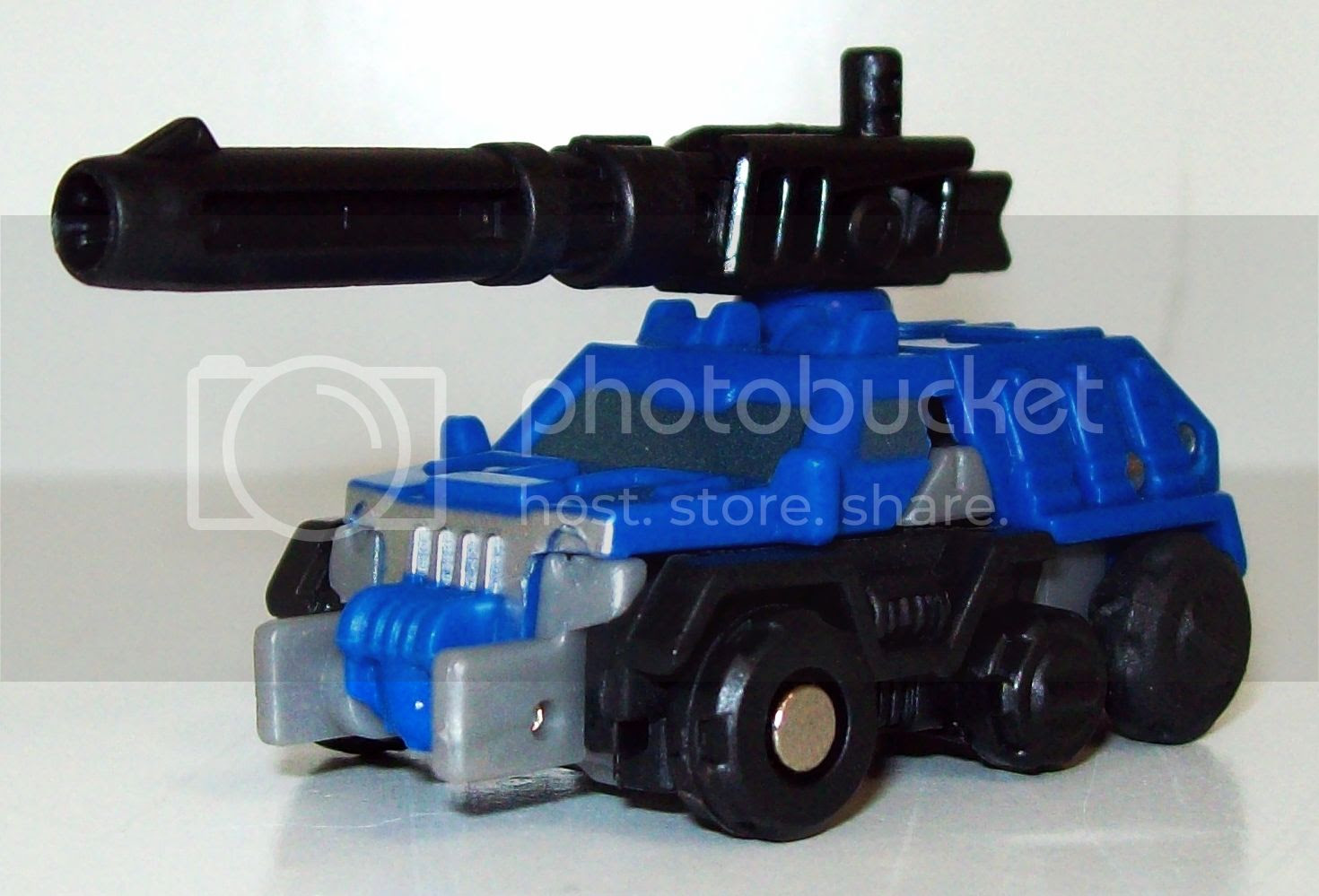 Optimus Prime Roller photo TF010_zpsc5a4cce3.jpg