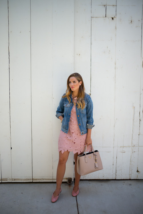 http://galmeetsglam.com/wp-content/uploads/2015/05/gal-meets-glam-pink-lace32-500x748.jpg