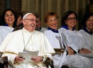 Bergoglio z luterańskimi kobietami-ministrami.