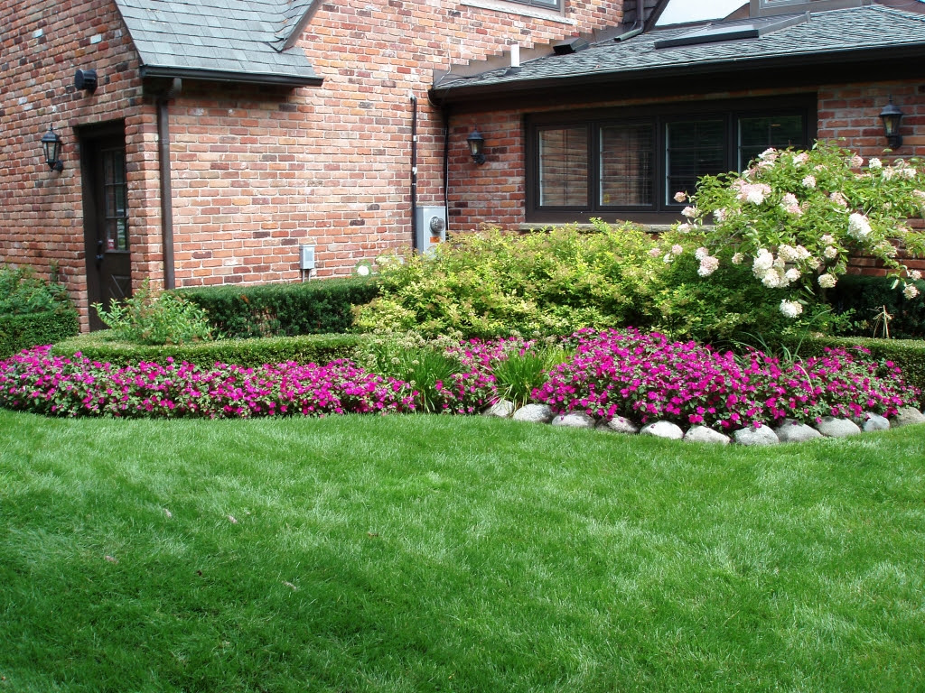 Front Yard Landscaping Ideas On a Budget Low Maintenance ...