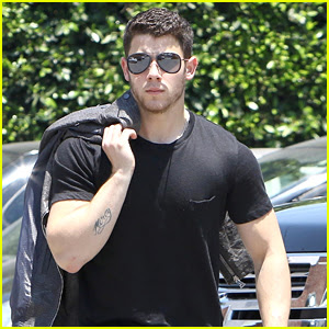 Nick Jonas Shows Off His Buff Arms in Hollywood