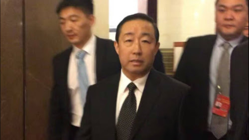 图为傅政华2017年传出的疑被带走视频。