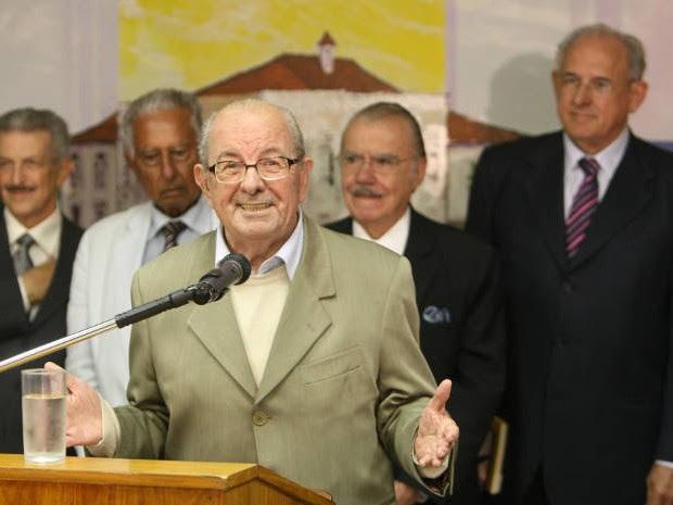 Passarinho em uma das recentes aparições públicas, durante lançamento de livro na biblioteca do Senado (Foto: Adriano Machado)