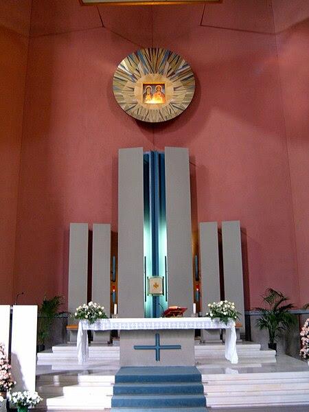 File:Q17 Trieste - Chiesa SS. Cuori Gesù e Maria 9.JPG