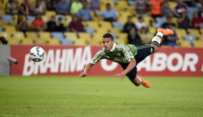 Fluminense x Santos - Lucas Gomes cabeceia para o gol (Foto: André Durão)
