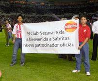 El equipo de futbol Necaxa le dio la bienvenida a Sabritas como  patrocinador oficial durante el partido amistoso y de preparación que jugó  anoche contra las ... 604ba16c819