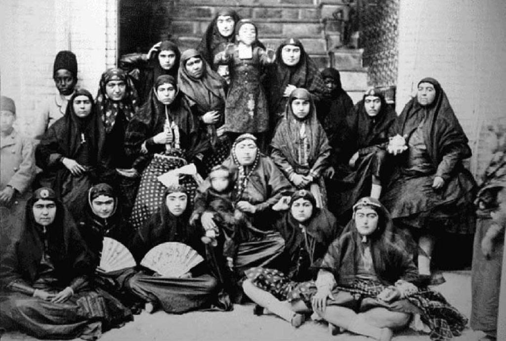 Assim eram as 100 concubinas do harém do Xá de Pérsia no Século XIX 03