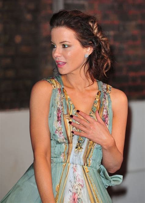 Kate Beckinsale keeps her mind on work amid rumours she's