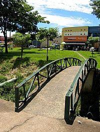 Ponte sobre o Rio São Domingos foto por André Bonacin