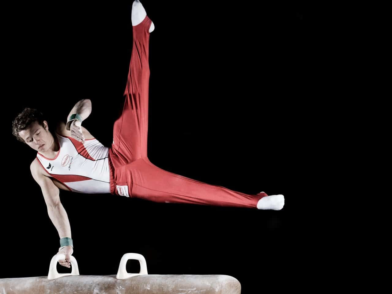 Aparatos de gimnasia rítmica: masculina y femenina