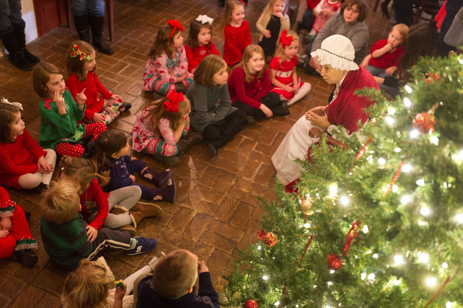 photo Tea Time with Mrs. Claus - Shaker Village_zpsvfz2fzbr.jpg