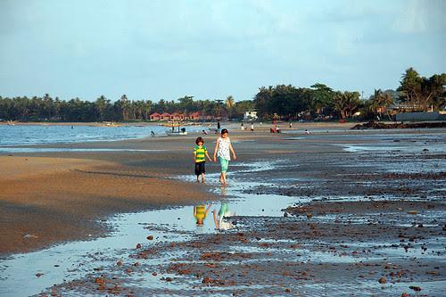 Kids at Sairee Beach