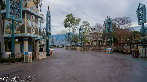 Disneyland Resort, Disneyland, Fantasyland, it's a small world, Refurbishment, Refurbish, Refurb, Tarp, Scrim